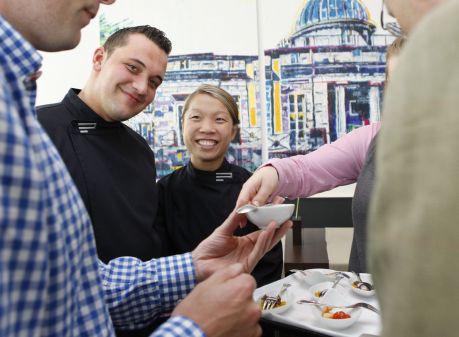 Planea-Chefs auf dem Weg zum Gourmetolymp - Kirill Kinfelt und Sarah HenkePlanea-Chefs auf dem Weg zum Gourmetolymp - Kirill Kinfeldt und Sarah Henke