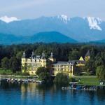 Horst Schulze kann aufatmen: Mit dem endlich geglückten Verkauf des Schlosshotels Velden wird er einen großen Verlustbringer los.