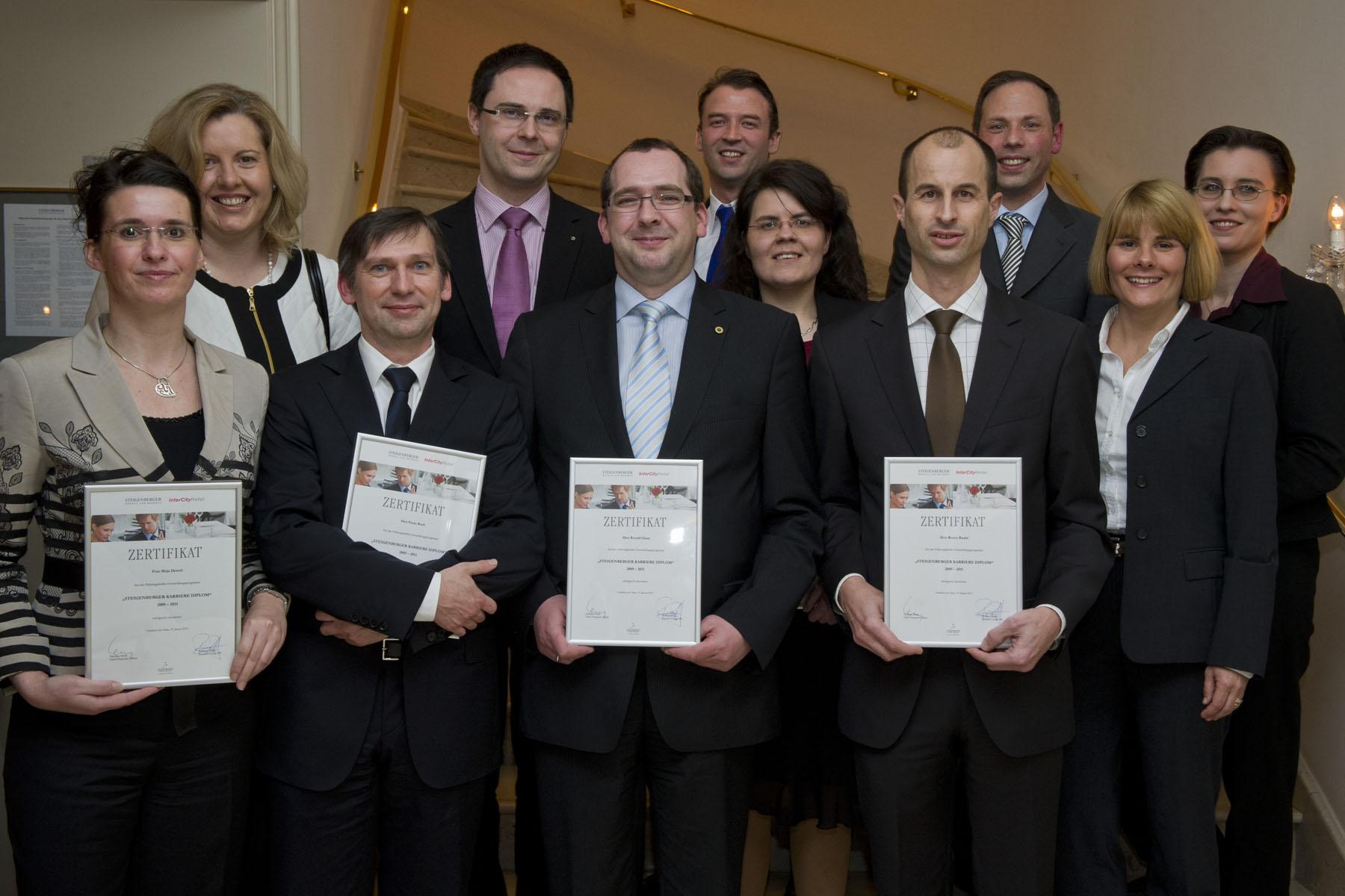 Absolventen des Steigenberger Karriere Diplom