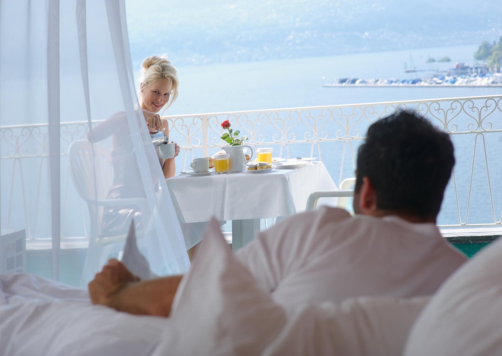 Blick aus dem Ramada Hotel La Palma auf den Lago Maggiore