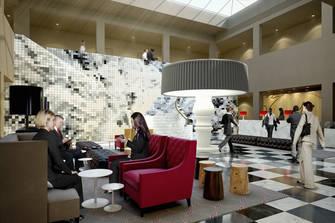 Swissotel Dresden am Schloss - Lobby