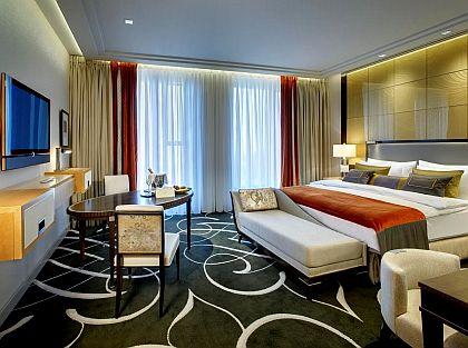 Musterzimmer des neuen Waldorf Astoria Berlin