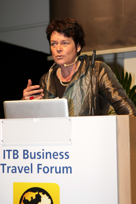 Professor Dr. Claudia Brözel