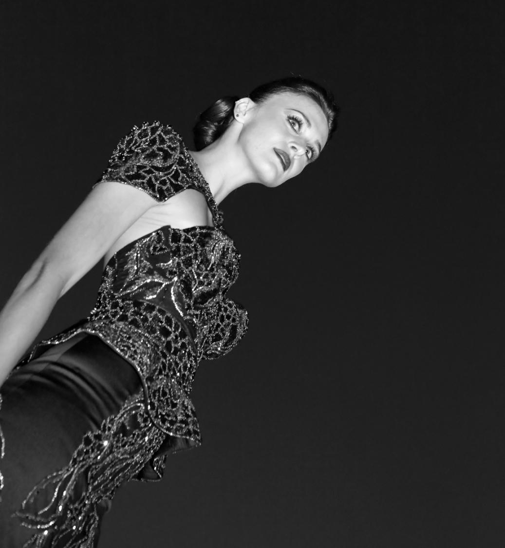 Teuerstes kleid der welt  Teuerstes Kleid der Welt stöckelt bei Fashion Show im Fairmont ...