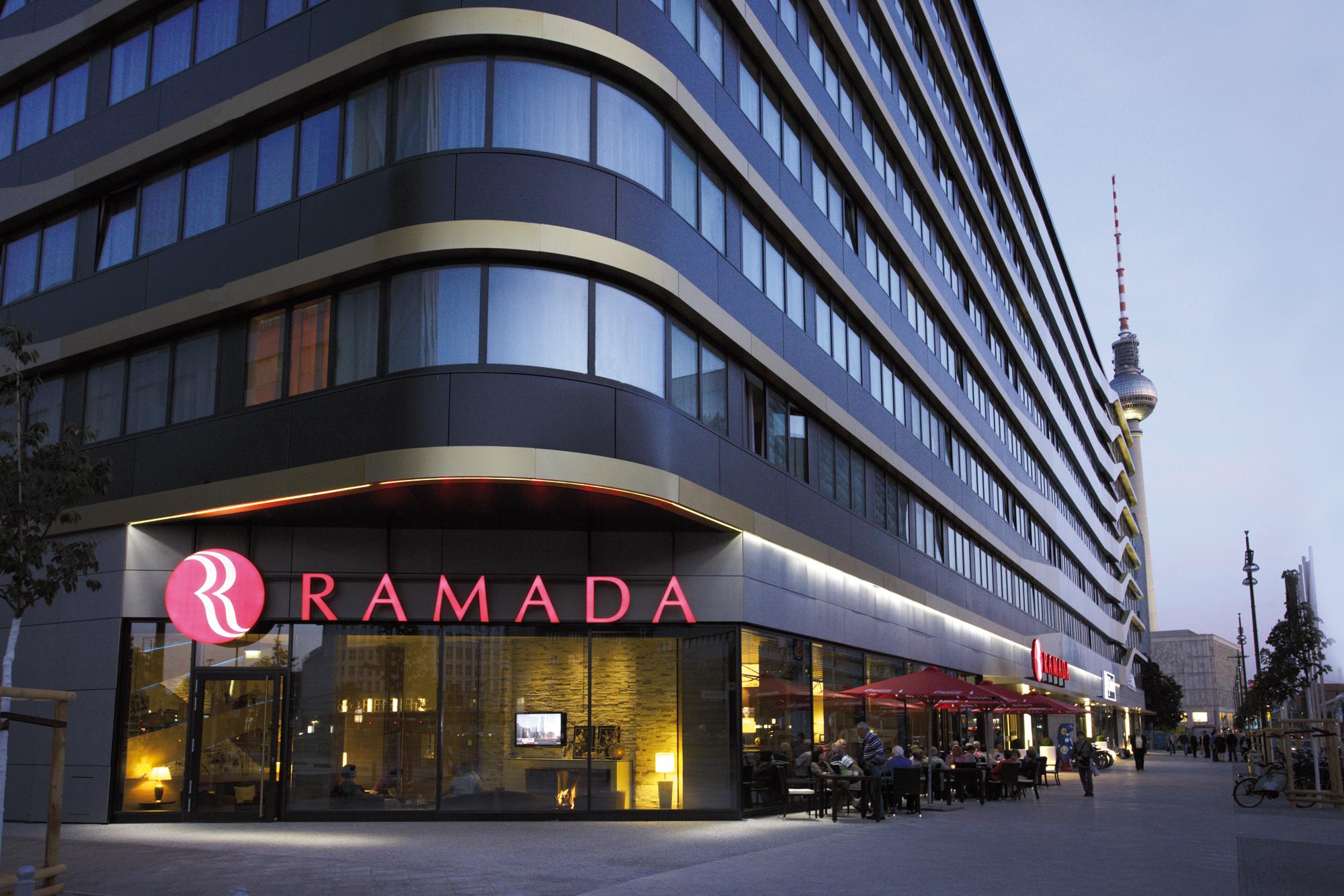 """Ramada Hotel Alexanderplatz Berlin: Systemwechsel auf die im Micros-Datencenter gehostete, zentral gesteuerte """"Operta Enterprise Solution"""""""