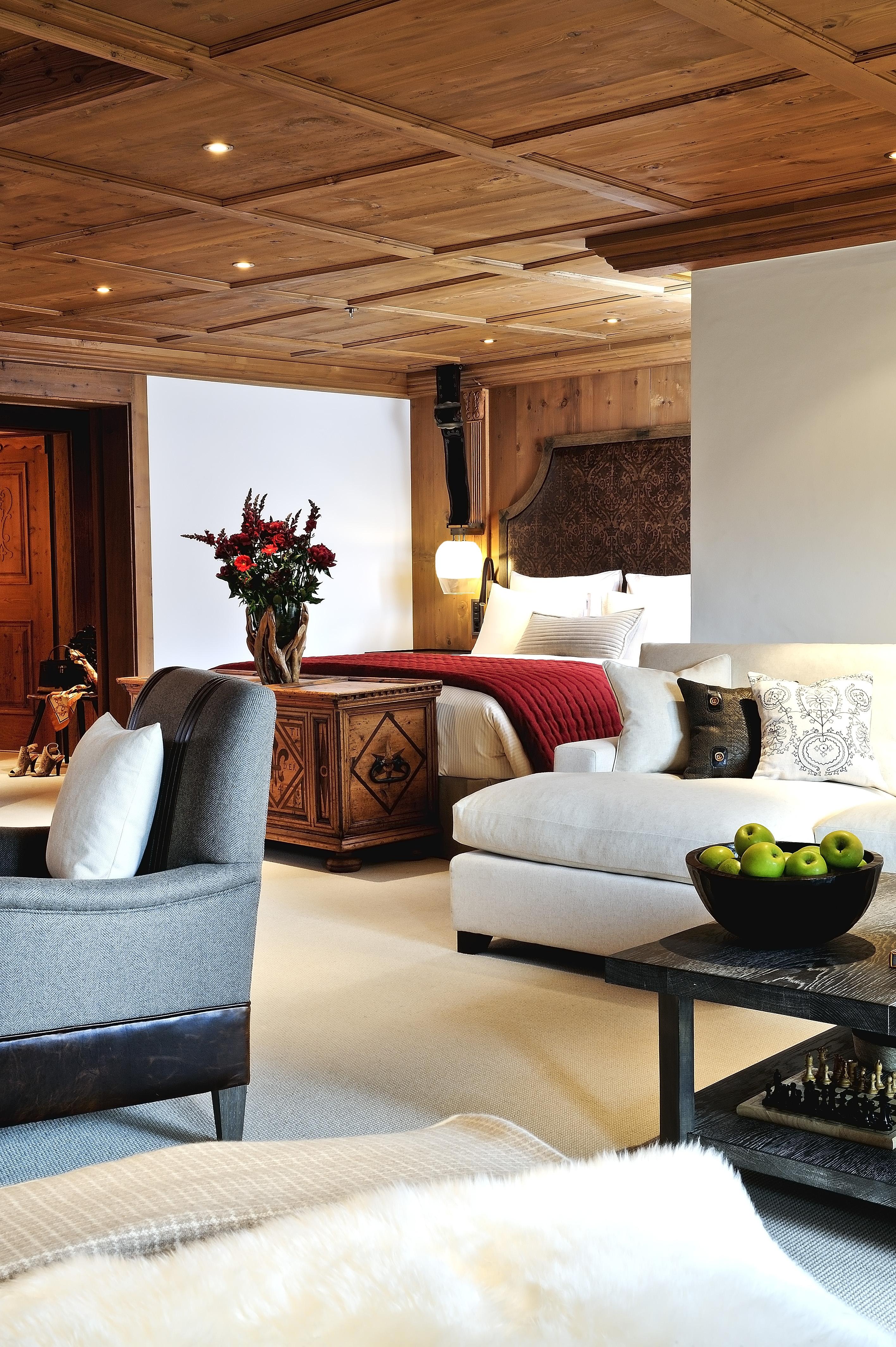 Alpenländisch-komfortabel: Suite im neuen The Alpina Gstaad
