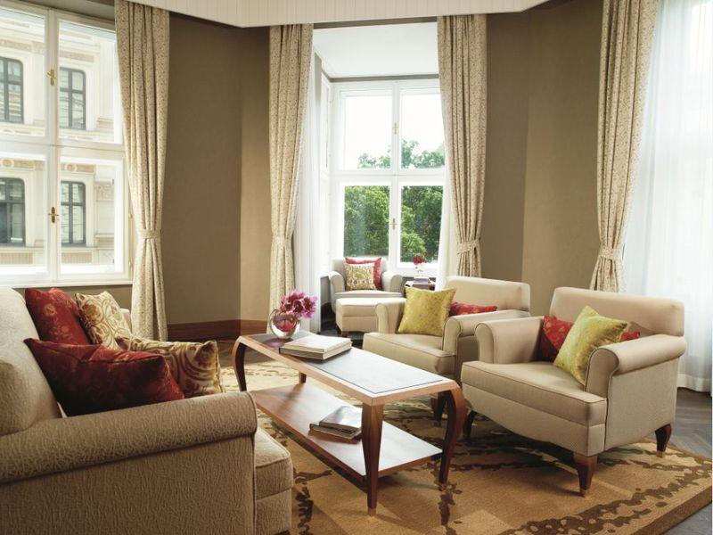 Ritz carlton er ffnet erstes hotel in sterreich am wiener for Design hotel kette