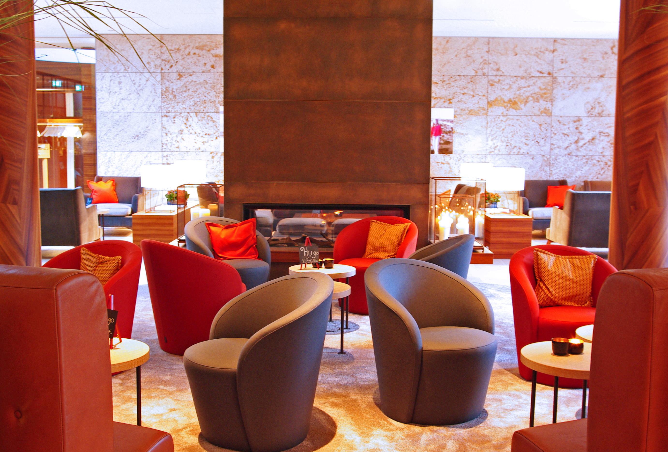 Lobby im neu eröffneten Aalernhüs Hotel & Spa in St. Peter-Ording