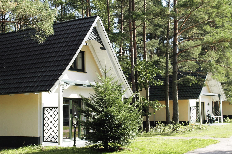 Die Ferienhausanlage Viverde Mecklenburgische Seen liegt mitten im Grünen und ist ein Paradies für Naturliebhaber