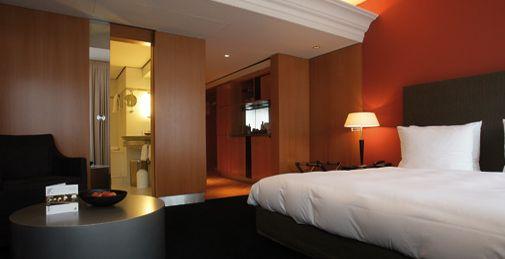 "Madison Hotel Hamburg, laut Expedia's ""Insiders Select 2012"" das sechstbeste Hotel der Welt"