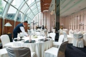 Der Wintergarten im Maritim Hotel München erstrahlt in neuem Glanz