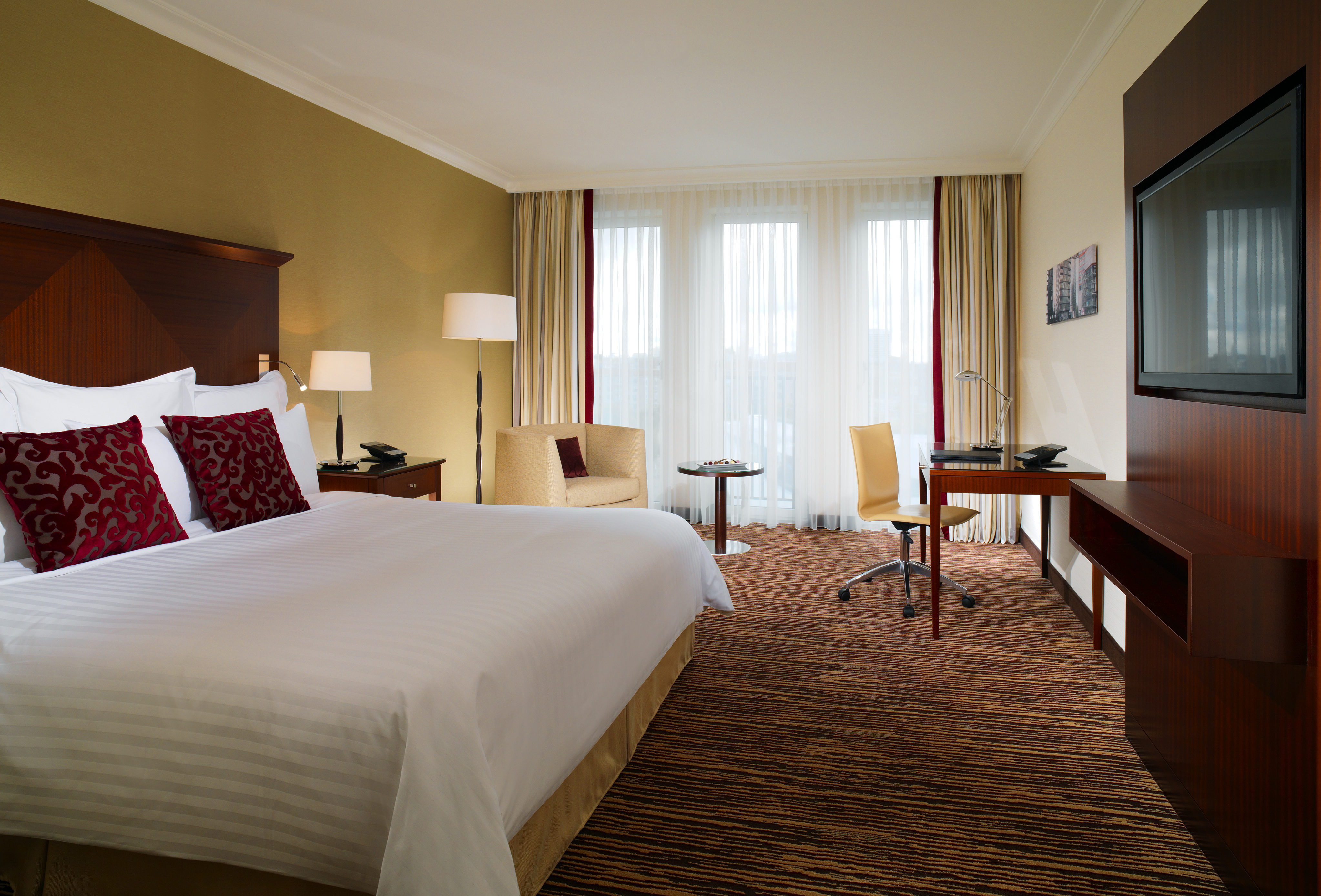 Neues hoteldesign berlin marriott hotel pr sentiert 225 for Design hotelzimmer
