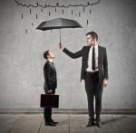 Schutzschirm für Business Traveler: Arbeitgeber haften für Unfälle bei Geschäftsreisen – Neuer Check im Travel Risk Management jetzt möglich (Foto: Olly/fotolia.com)