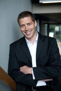 Keine Angst vor Erpressungsversuchen mit negativen Online-Bewertungen - Social Media-Experte Benjamin Jost macht Hoteliers Mut und gibt Tipps