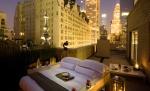Luxus-Camping im Aka Central Park: Komfortbett unter freiem Himmel