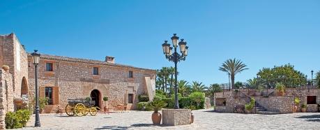 Landestypisches Flair verspricht die authentisch mallorquinische Finca aus dem 13. Jahrhundert: Das neue Viverde Hotel Sa Bassa Rotja auf Mallorca