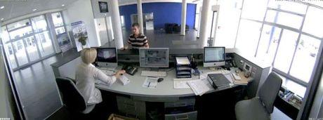 Überwachungskamera im Hotel - 180 Grad Panoramabild einer Hemispheric Kamera von Mobotix
