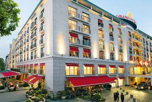 Grand Elysée Hotel Hamburg: Wer direkt bucht, bekommt den günstigsten Preis - 15 Euro günstiger als bei HRS & Co