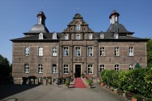 Insolvenz droht: Schlosshotel Hugenpoet in Essen unter Schutzschirmverfahren
