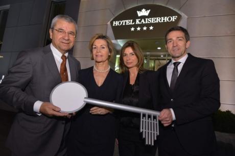 Anne und Peter Cremer, Inhaber des Vier-Sterne-Superior-Hotels Kaiserhof in Münster, sowie Anja und Kay Fenneberg, bis Ende 2013 noch Pächter der Gastronomie des Zwei-Löwen-Klubs.