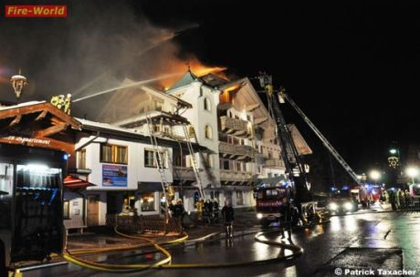 Großbrand in Hotel Victoria in Gerlos (Foto: Patrick Taxacher)