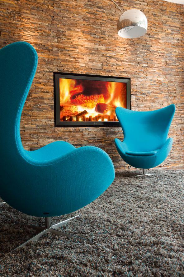 Deutsches Hotelkonzept auf internationalem Siegeskurs: Die Egg Chairs stehen für das moderne Design der Low-Budget-Hotelkette Motel One