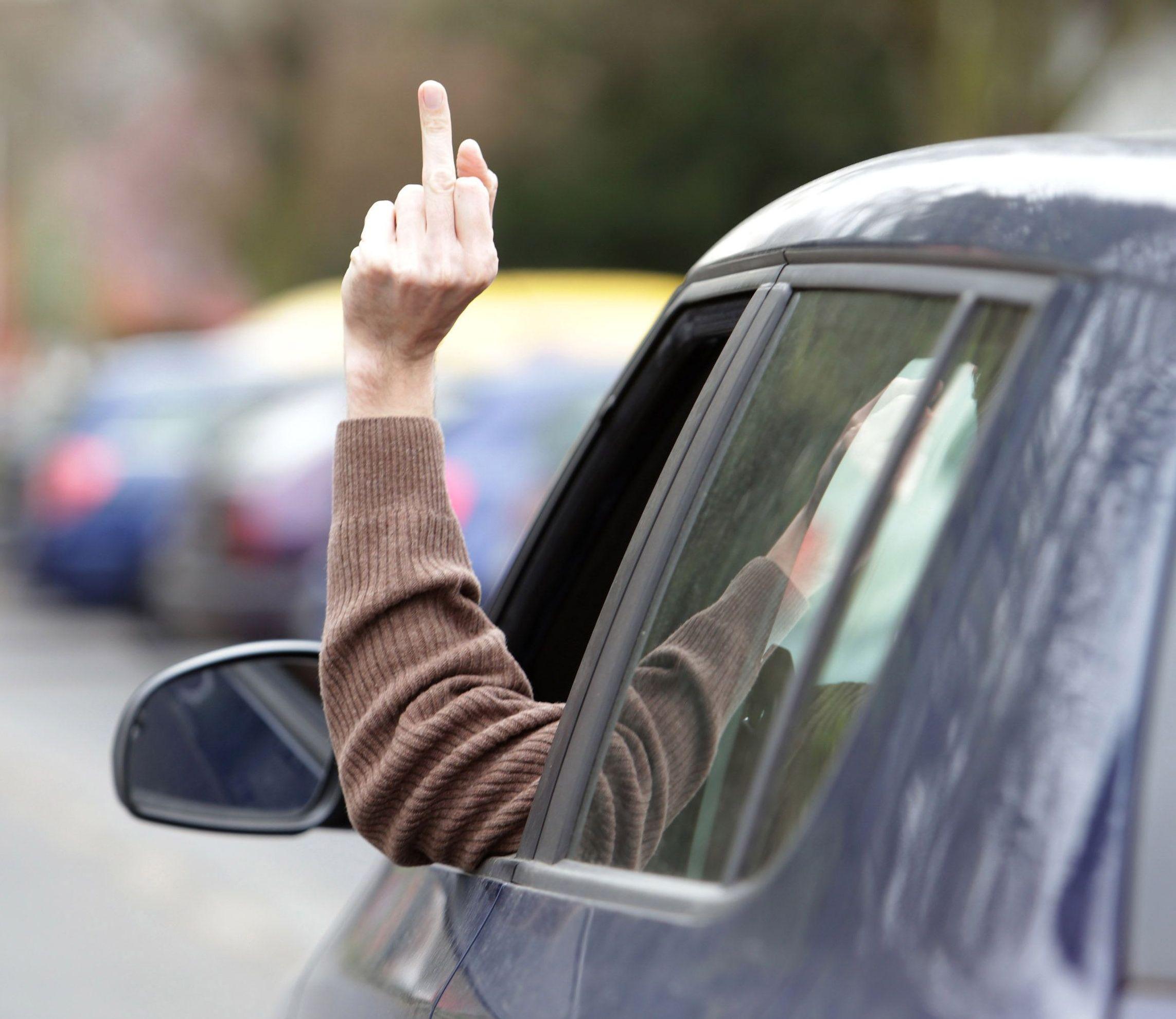 RüŸcksicht im Straßenverkehr ist nicht jedermanns Sache. Denunzianten oder Weltverbesserer? - fahrerbewertung.de spaltet die Internetwelt (Foto: fahrerbewertung.de)