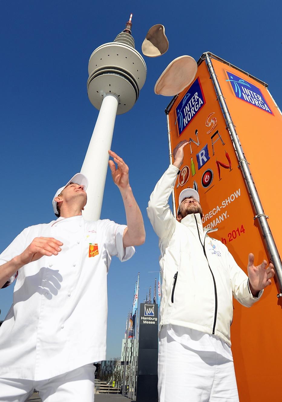 Pizza-Bäcker aus ganz Europa zeigen auf der Internorga Hamburg 2014 ihr Können