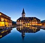Schloss Elmau: Zusammen mit dem, Kranzbach offizielles Gipfelhotel zum G8/G7-Gipfel Anfang Juni 2015