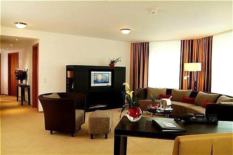 First-Class-Apartment im Lindner Hotel Residence Main Plaza in Frankfurt/Main