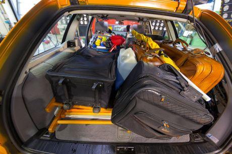 Chaos im Kofferraum: So können Gepäckstücke zu tödlichen Geschossen werden