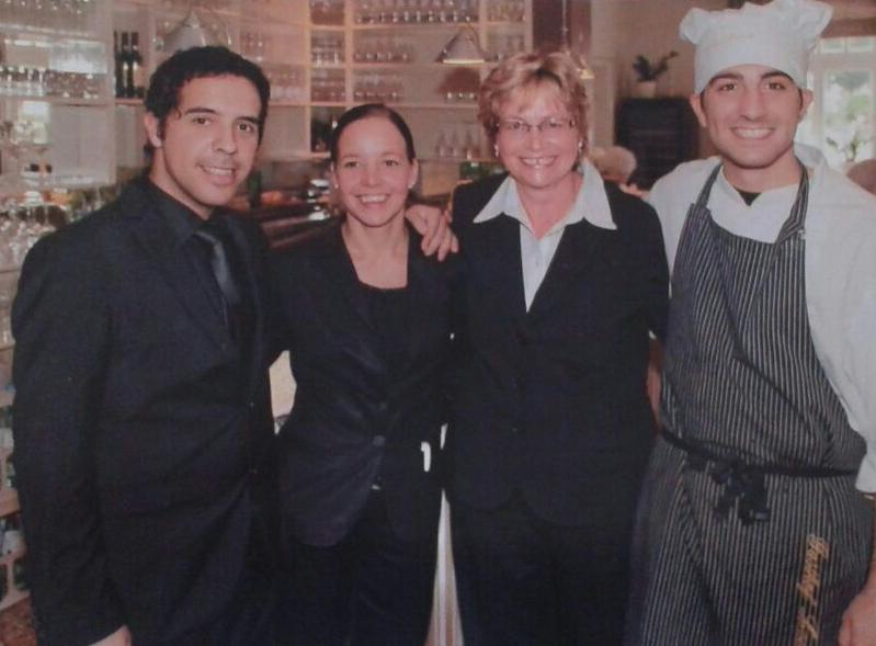 Von links: Juan Carlos, Familie Leesch und Marc Sarriera (Foto: H. Leesch)