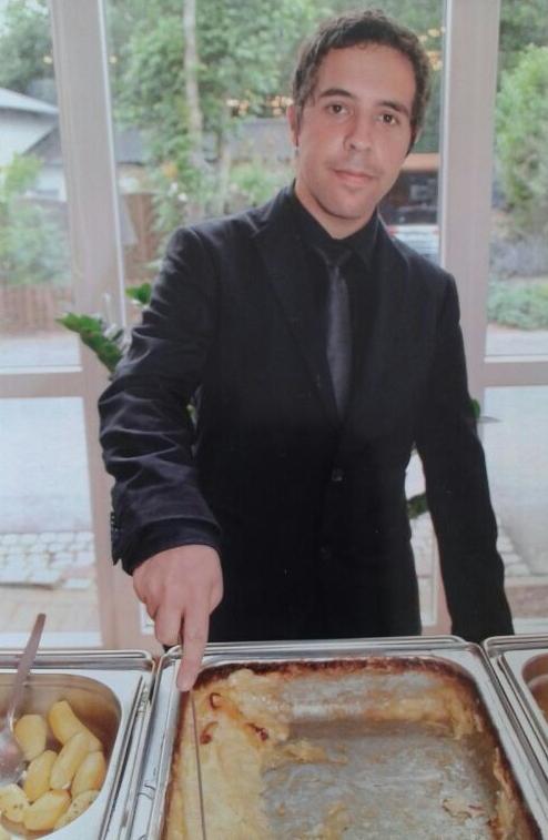 Juan Carlos aus Spanien will in Deutschland Restaurantfachmann werden (Foto: H.Leesch)