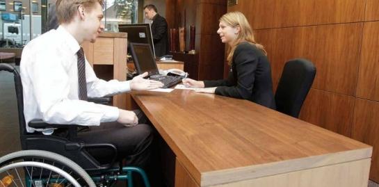 Immer mehr Hotels bieten auch barrierefreie Zimmer an (Foto: Dehoga)