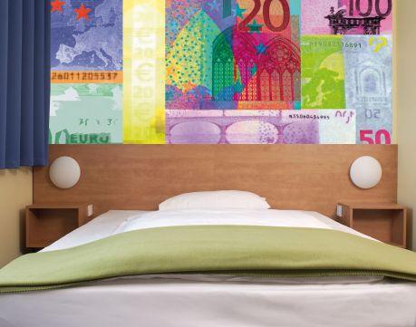Funktional, aber klein: Typischen Zimmer in einem B&B Hotel
