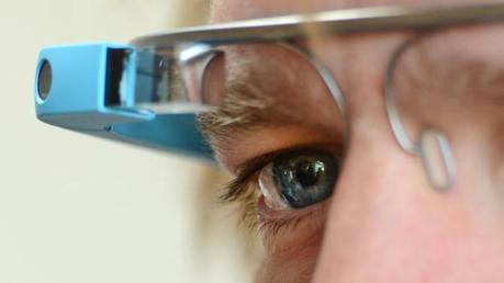 """Cyberbrillen wie """"Google Glass"""" bieten enome Chancen fürs Hotelmarketing"""