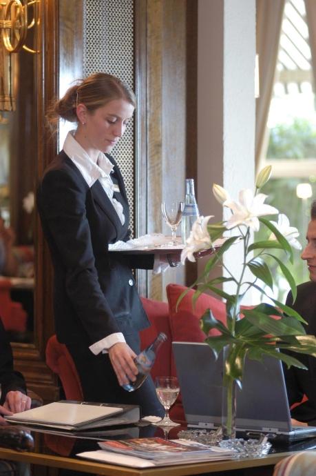 NGG fordert: Kellner und Köchen sollen 2015 5,5% mehr Geld bekommen (Foto: Dehoga/Reiner Pfister)