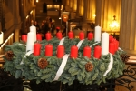 175 Jahre Adventskranz: Ein Licht der Hoffnung in dunklen Tagen - Der Adventskranz kommt aus Hamburg und wurde von Johann Hinrich Wichern erfunden (Foto: Stiftung Das Rauhe Haus/Stephan Wallocha)