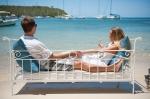 Strand - Paar - Bett - Sonne - Meer - Urlaub - Luxus