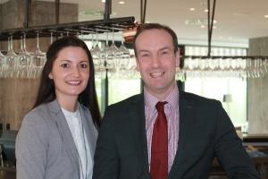 Neues Verkaufsteam im Wyndham Grand Frankfurt: Elisa Volkmann (Sales Manager) und Matthias Tepel (Sales Director)