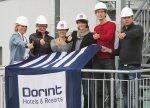 Die Führungsmannschaft des neuen Dorint Airport-Hotel Stuttgart ist komplett: Hoteldirektorin Dagmar Lennartz freut sich auf die Zusammenarbeit mit Loretta Renebusch (Hausdame), Susann Ebert (Verkaufsdirektorin), Christiane Werner (Reservierungs- & Revenue Managerin), Franz Buttgereit (Restaurantleiter) und Dario Tolksdorf (Front Office Manager) von links.