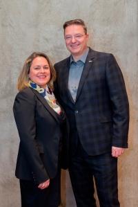"""Verena Forstinger und Markus Conzelmann sind die """"Women in Leadership"""" Botschafter der Carlson Rezidor Hotel Group für die Region Central Europe"""