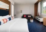 Aloft_Munich_Sweet Suite2@2015 Starwood Hotels und Resorts Worldwide_01