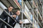 Doppelspitze für das Holiday Inn Düsseldorf City - Roland Schäfer und Thilo Hoppe auf der Baustelle ihres neuen Hotels (Foto: Arcadia)