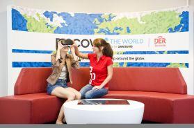 Virtual Reality soll Reisen besser verkaufen - das ist auszuprobieren im DER Concept Store in Berlin (Foto: DER Touristik)
