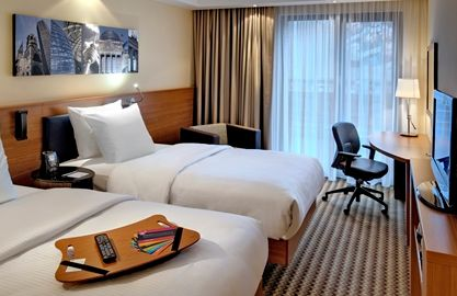 hampton-by-hilton-berlin-west-zimmer
