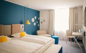 Standardzimmer im neuen Vienna House Easy Berlin