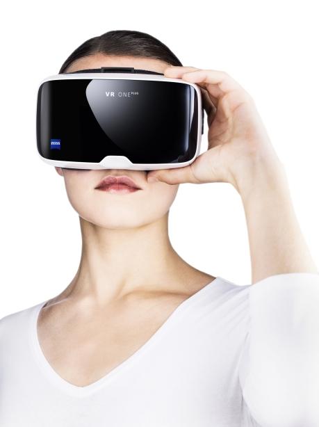 Die ZEISS VR ONE Plus