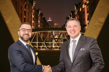 Novum-Eigner David Etmenan (links) holt Tophotelier Mario Pick (bislang GF bei Welcome Hotels) als Chief Operating Officer an Bord (Foto: Novum)